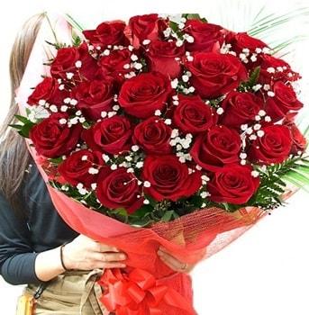 Kız isteme çiçeği buketi 33 adet kırmızı gül  Burdur çiçek gönderme sitemiz güvenlidir