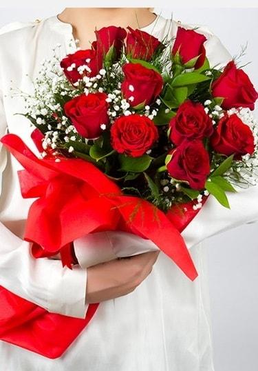 Aşk Gülleri 11 Adet kırmızı gül buketi  Burdur çiçekçi telefonları