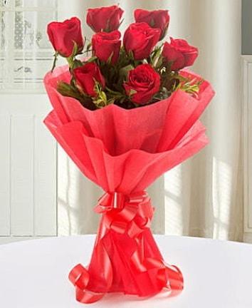 9 adet kırmızı gülden modern buket  Burdur İnternetten çiçek siparişi