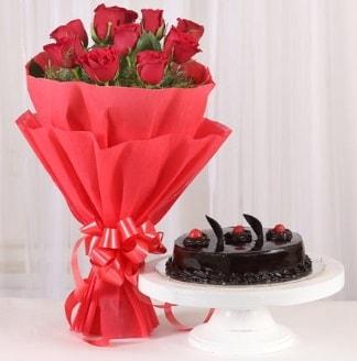 10 Adet kırmızı gül ve 4 kişilik yaş pasta  Burdur internetten çiçek satışı