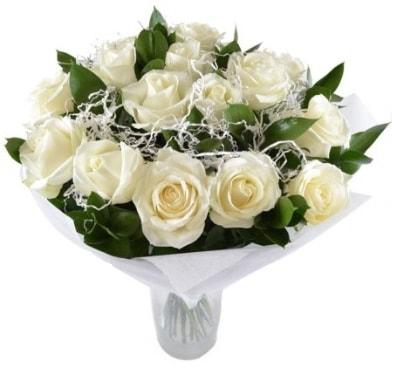 15 beyaz gül buketi sade aşk  Burdur çiçek satışı